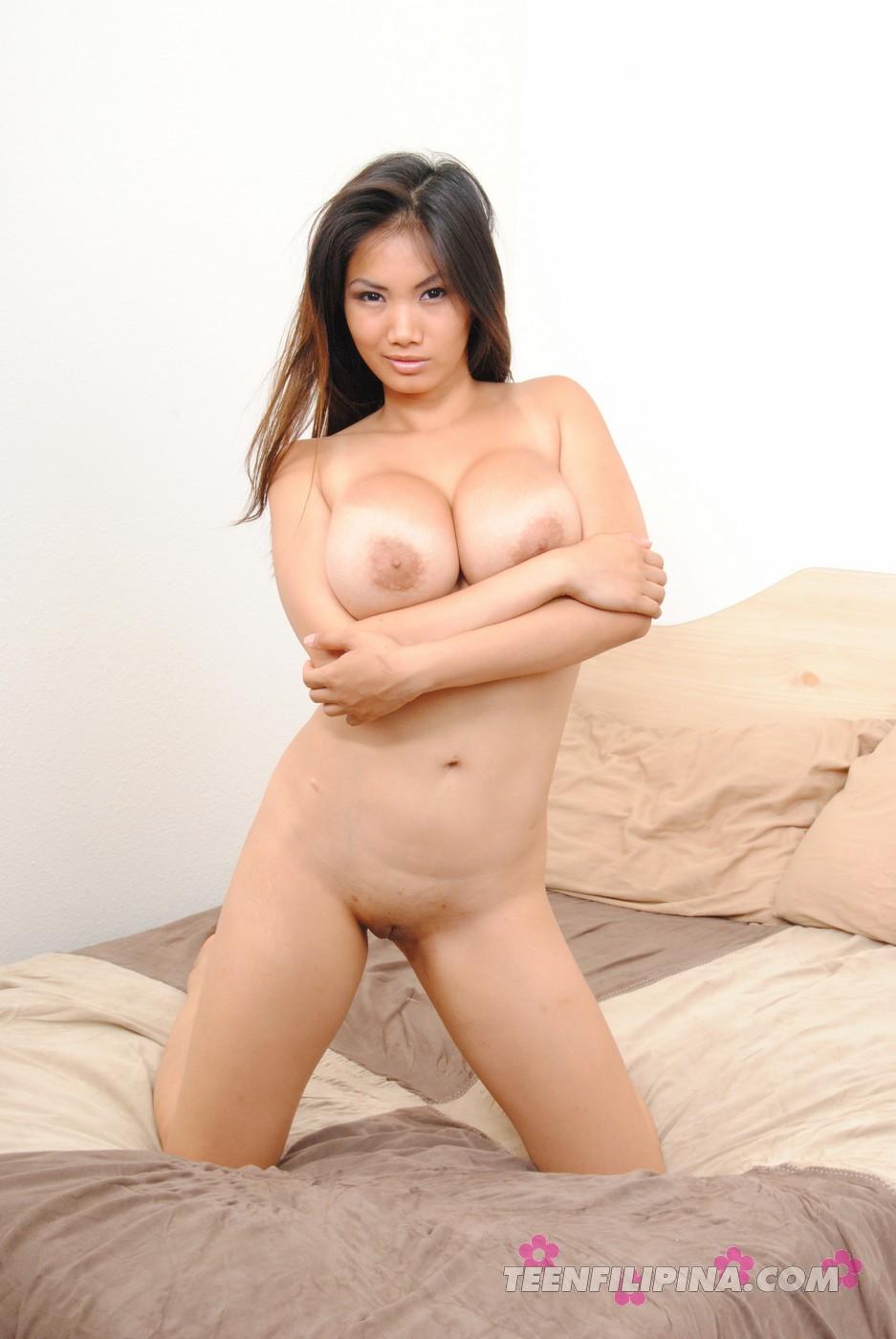 gorgeous naked women model