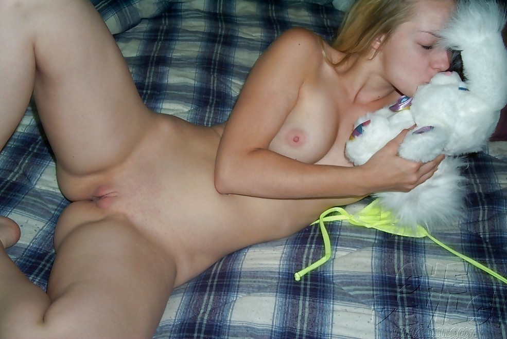2 wet horny chicks pleasing daddy 2