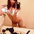 Sweet young mirror girl nude in these stolen pics - image